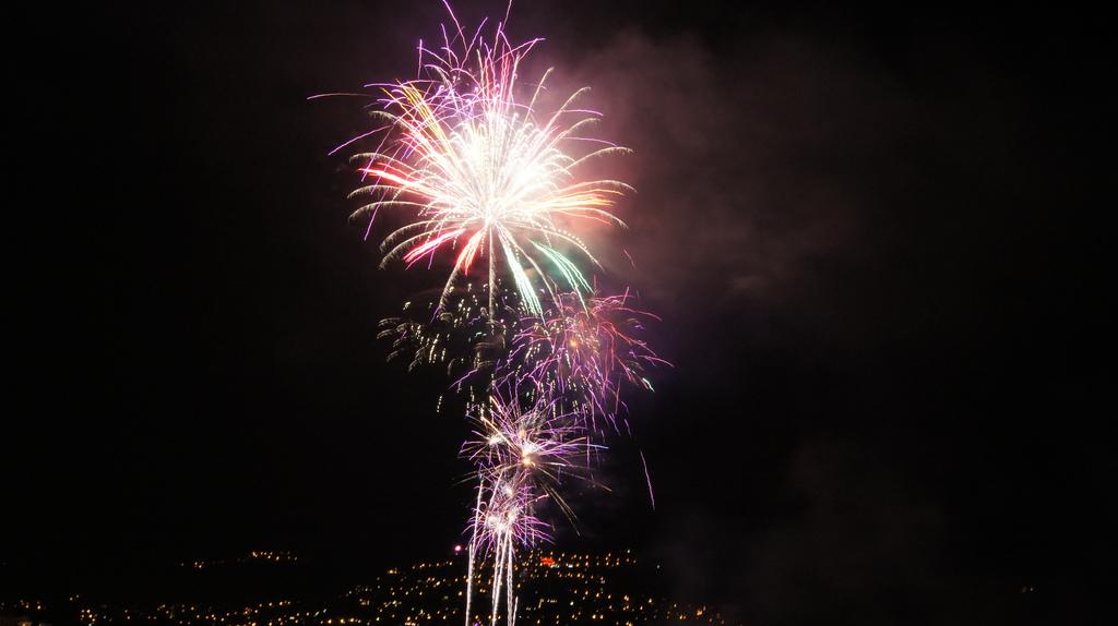 16 agosto: Crociera e fuochi d'artificio a Porlezza