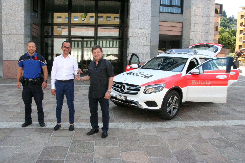 Nuovo veicolo di servizio della polizia ceresio sud for Garage sud auto